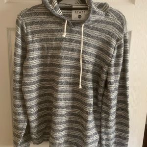 Sweaters - Men's pullover hooded sweater